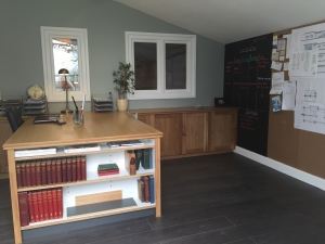Bespoke solid Oak home office with library, blackboard and pin board by James Riggall Fine Joinery in Exeter, Devon